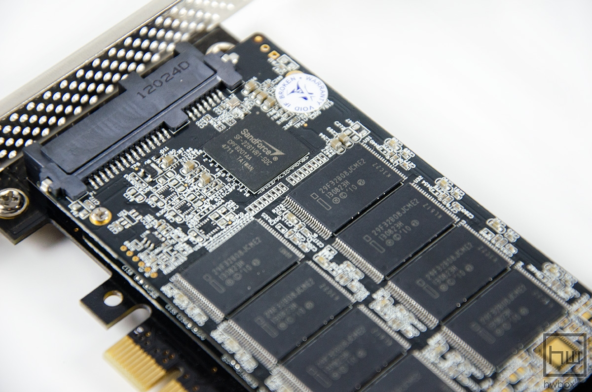 Mach Xtreme MX Express PCI-e SSD 512G Review: RAID 0 out of the box