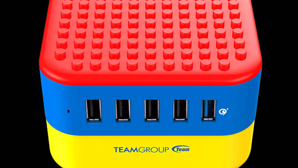 Team Group Brick Charger με Lego look!